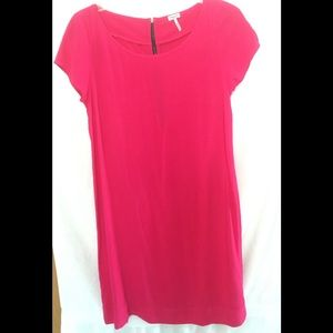 Splendid🏖 magenta pink dress w/back zipper detail